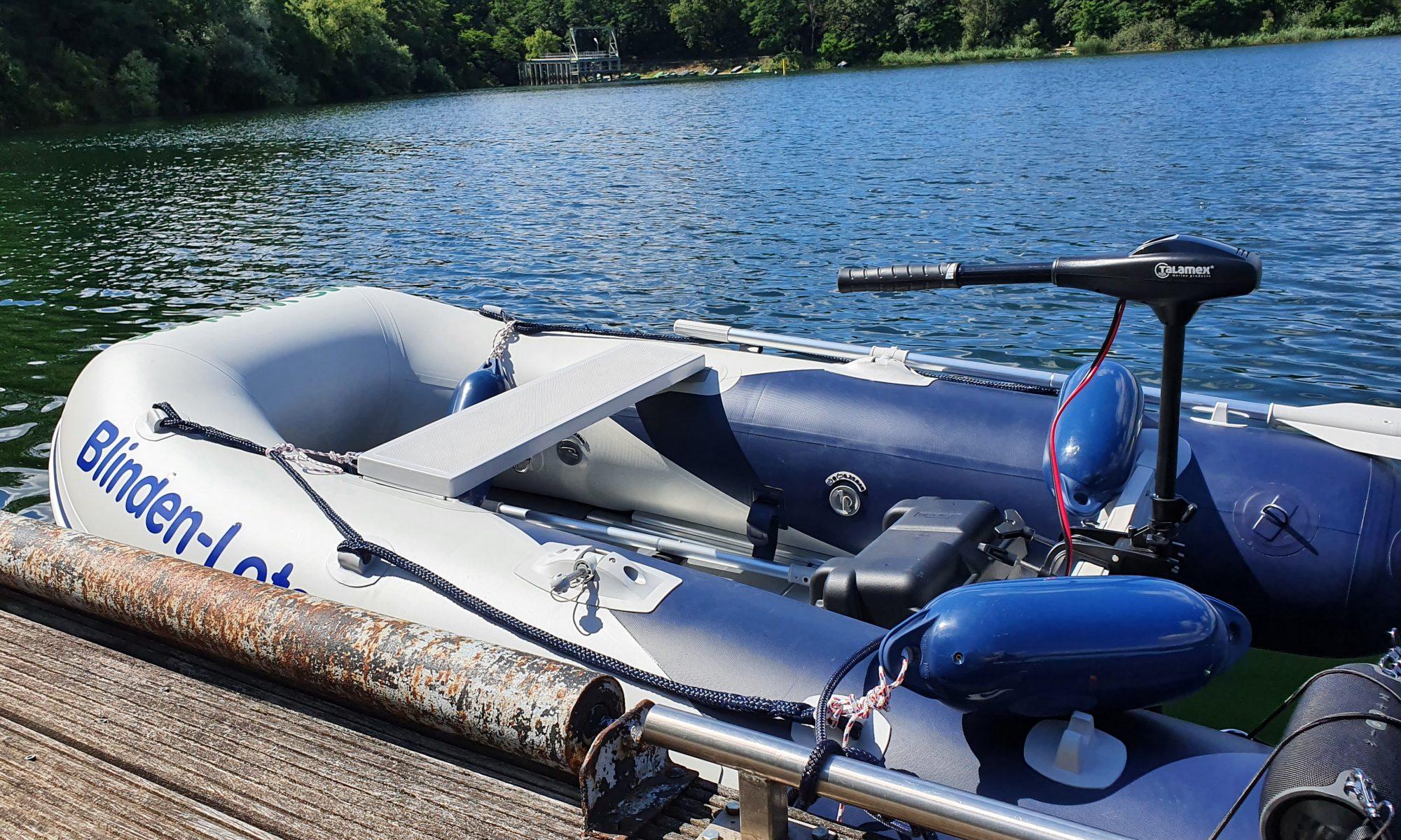 unser Schlauchboot am Steg